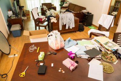 elder-care-needed-in-messy-house